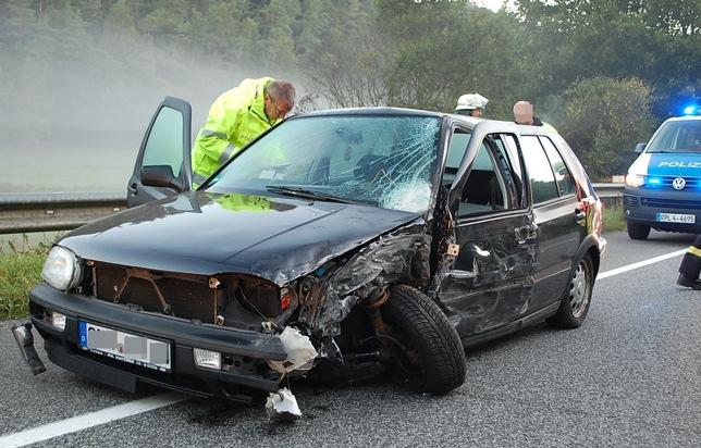 POL-PPWP: Zwei Schwerverletzte bei Unfall auf der B 10