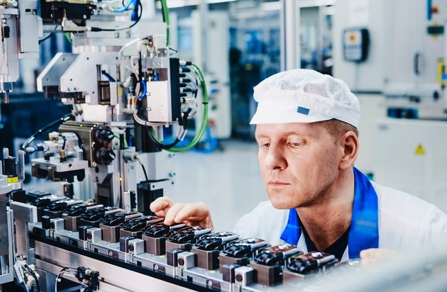 marquardt-eröffnet-produktionsstandort-in-ichtershausen-mechatronik-spezialist-schafft-180-arbeitsplätze