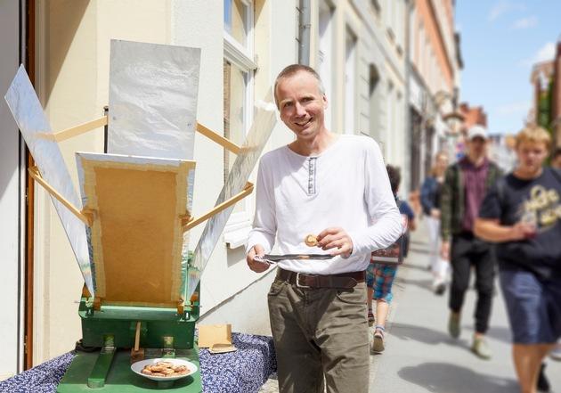 """""""Botschafter"""" Tilman Langner engagiert sich für Umweltbildung in Stralsund / © VNG-Stiftung"""