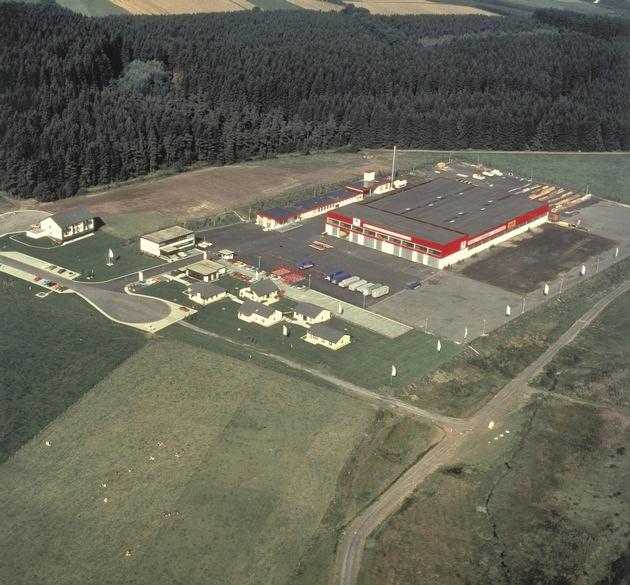 Das WeberHaus-Werk in Wenden-Hünsborn vor knapp 40 Jahren.