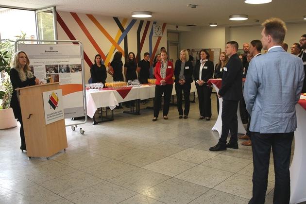 Die Bundeswehr startet den ersten Fernstudiengang - Familienbewusster Aufstieg an der Hochschule des Bundes - Fachbereich Bundeswehrverwaltung