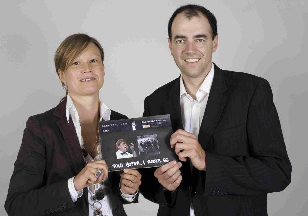 Im Kampf gegen Kinderkrebs: CVP-Prominenz auf eBay SchweizeBay und CVP Schweiz zur Online-Auktion zugunsten der Forschungsstiftung Kind und Krebs