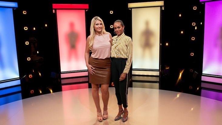 """Moderatorin Milka Loff Fernandes hilft Single Jeanette dabei ihren neuen Traummann zu finden. Für welche der Boxen wird sich die blonde Schönheit am Ende entscheiden? Eine neue Folge """"Naked Attraction - Dating hautnah"""" am Montag, 22. Oktober 2018, um 22:15 Uhr bei RTL II. Weiterer Text über ots und www.presseportal.de/nr/6605 / Die Verwendung dieses Bildes ist für redaktionelle Zwecke honorarfrei. Veröffentlichung bitte unter Quellenangabe: """"obs/RTL II"""""""