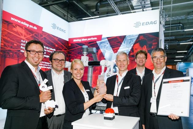 Freude am Stand der EDAG PS über den 1. Platz beim ersten AEE Innovation Award 2017 in Nürnberg