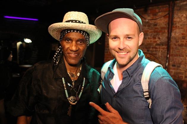 """""""SCHNITZELJAGD von Gospel bis Hip-Hop"""" / Ab 26. Mai ist KiKA-Moderator Ben mit Aretha Franklin, Aloe Blacc und vielen anderen Stars auf den Spuren der """"Black Music"""""""