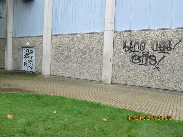 Graffiti-Tag's an Kropper Trunhalle Quellenangabe: Polizeidirektion Flensburg