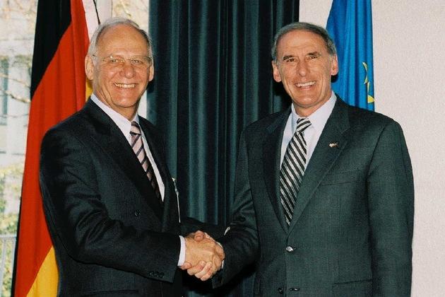 BKA: US-Botschafter COATS zu Besuch im Bundeskriminalamt