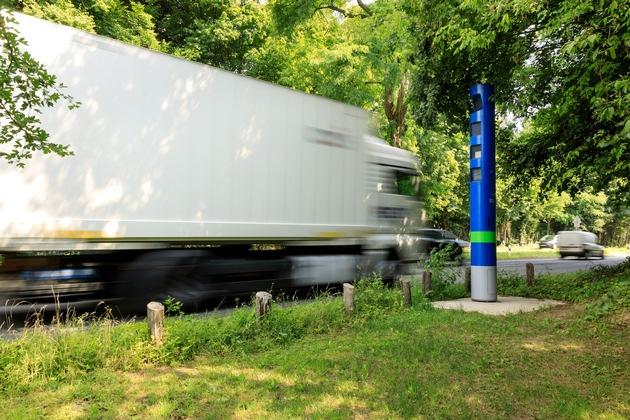 Kontrollsäule für die Lkw-Maut in Köln Quelle Toll Collect/Ittermann