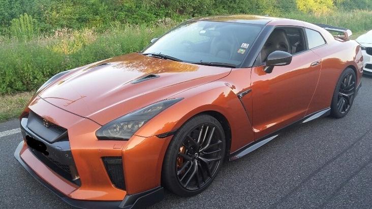 Nissan R8