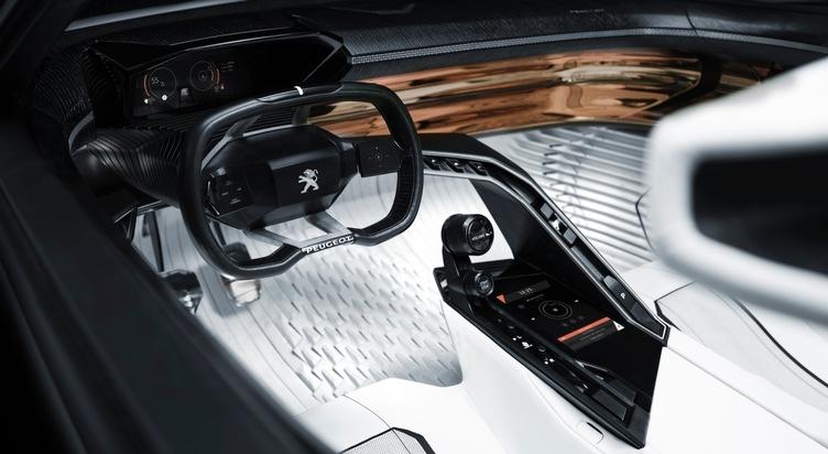 """Das Soundsystem 9.1.2 reichert die dem Fahrer gelieferten Informationen klanglich an und ermöglicht so eine intuitivere Fahrweise. Dieses System erweitert das PEUGEOT i-Cockpit® um eine zusätzliche Komponente: die räumliche Verteilung und Dynamisierung des Klangs. Weiterer Text über ots und www.presseportal.ch/de/nr/100004721 / Die Verwendung dieses Bildes ist für redaktionelle Zwecke honorarfrei. Veröffentlichung bitte unter Quellenangabe: """"obs/Peugeot (Suisse) SA"""""""