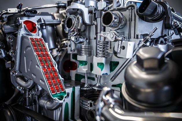 """Motorenworkshop und Motorenprüfstand des neuen OM 654 / Weiterer Text über ots und www.presseportal.ch/de/nr/100001544 / Die Verwendung dieses Bildes ist für redaktionelle Zwecke honorarfrei. Veröffentlichung bitte unter Quellenangabe: """"obs/Mercedes-Benz Schweiz AG/Daimler AG"""""""