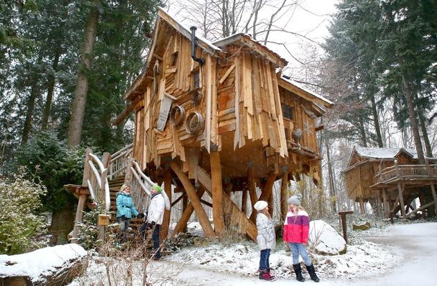 Die Baumhäuser im Natur-Resort sind auch im Winter täglich buchbar