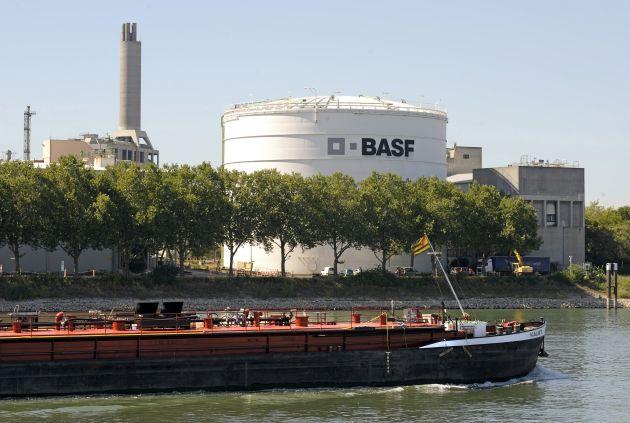BASF mit aktuellen Pressefotos zur Bilanzpressekonferenz 2010