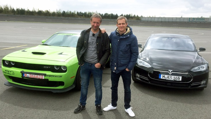 """GRIP - Das Motormagazin"": Oldschool Muscle Car im Duell mit Hightech-Newcomer"