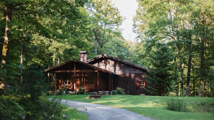 Forsthütte im FriedWald Spessart (Foto zur freien Verwendung)