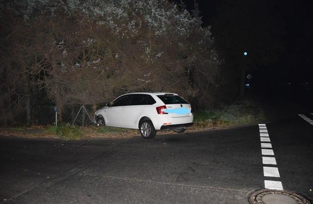 POL-NI: Verkehrsunfallflucht in Stolzenau, Pkw stark beschädigt - Presseportal.de