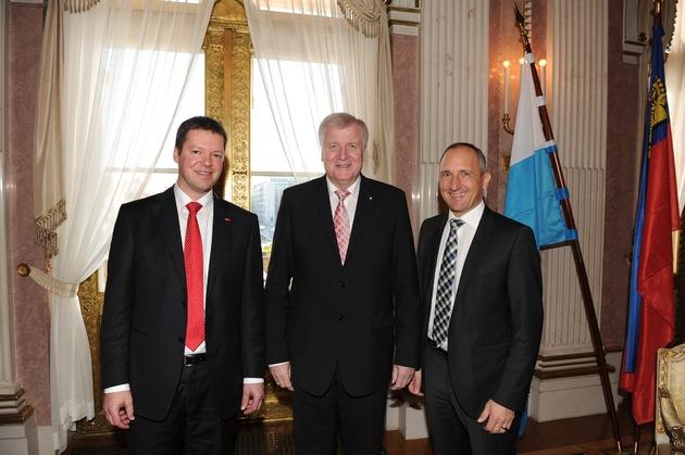 Liechtensteiner Regierungschef bei Hoval in Deutschland / Hoval ist ein Liechtensteiner Parade-Unternehmen
