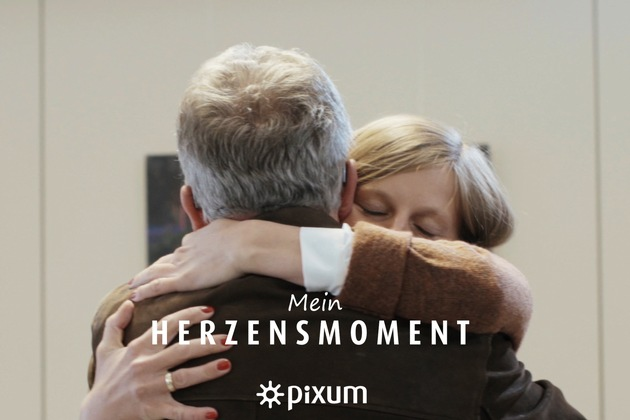 """Pixum - Mein Herzensmoment. Weiterer Text über ots und www.presseportal.de/nr/24663 / Die Verwendung dieses Bildes ist für redaktionelle Zwecke honorarfrei. Veröffentlichung bitte unter Quellenangabe: """"obs/Pixum"""""""