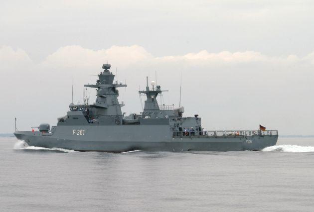 """Archivfoto: Die Korvette """"Magdeburg"""" in See. Foto: Deutsche Marine"""
