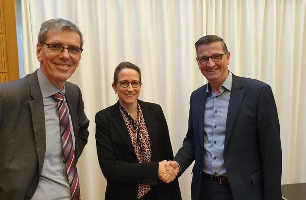 Wechsel in der Geschäftsführung des Deutschen Volkshochschul-Verbandes - Julia von Westerholt wird Nachfolgerin von Ulrich Aengenvoort
