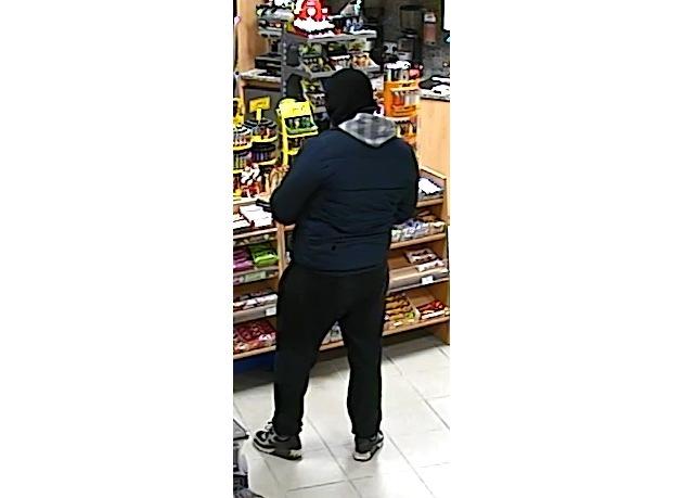 Täter von hinten (Überwachungskamera)