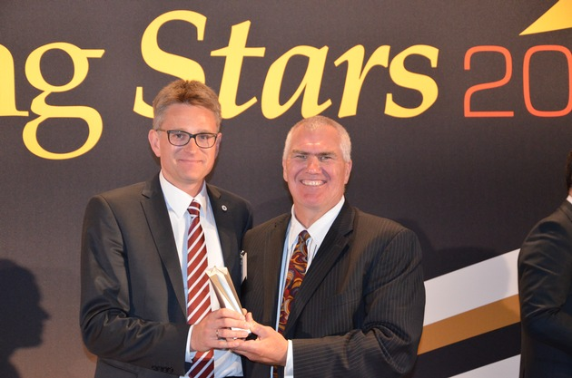 Vice President Procurement of Johnson Controls Automotive Seating receives Rising Star Award / Joergen Ernst receives prestigious industry award