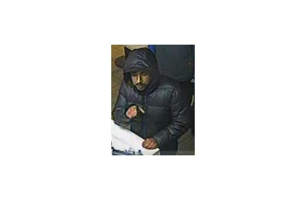 POL-BN: Foto-Fahndung: Geldbörse bei Autoaufbruch entwendet - Unbekannter versuchte mit gestohlener Karte Bargeld zu erlangen