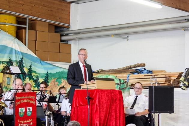 Landrat Dr. Buschmann bei seiner Rede.