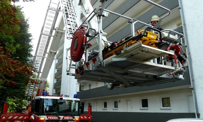 Der Teleskopmast der Feuerwehr Mettmann (Foto: Feuerwehr Heiligenhaus)