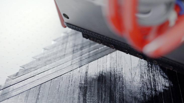 Materialeffizientes Legen und Schneiden von Carbonfasern im Fiber Placement Center
