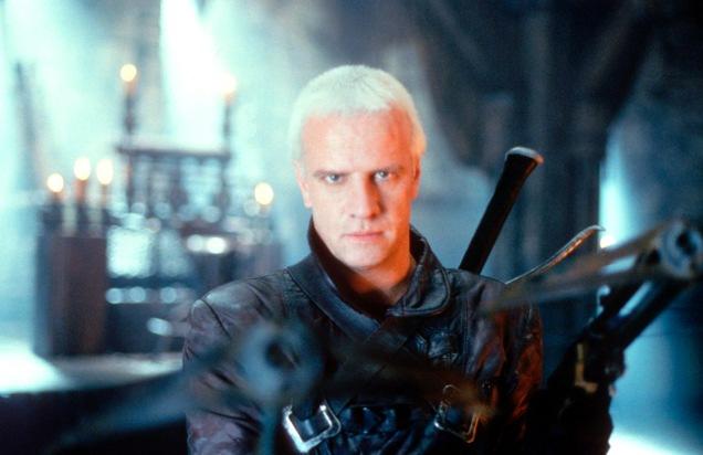 """FILMFILM PREMIERE:""""Beowulf"""" am Montag, den 20.05.2002 um 22:55 Uhr in Sat.1. Der mit übernatürlichen Kräften ausgestattete Beowulf (Christopher Lambert) muss das Böse bekämpfen, um nicht selbst seiner eigenen bösen Natur zu erliegen. Als er auf Baron Hrothgars Burg gegen ein blutgieriges Monster kämpft, verliebt sich Hrothgars schöne Tochter in ihn. Kann sie Beowulfs Fluch besiegen?  Foto: Sat.1; Abdruck honorarfrei nur im Zusammenhang mit dem Sendetermin."""