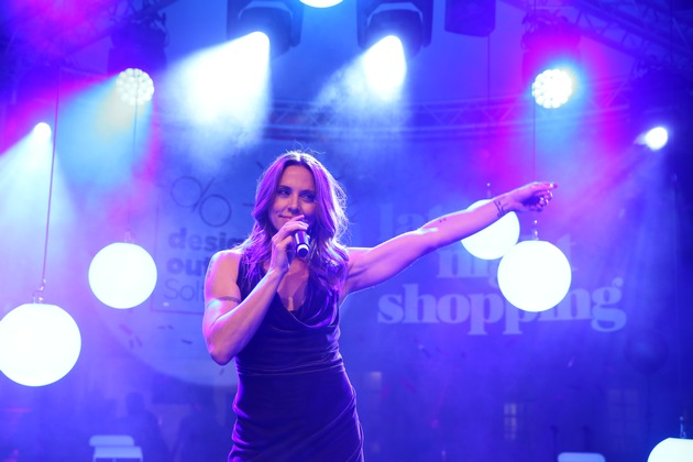 "Zahlreiche, internationale Superstars auf dem pinken Teppich beim Late Night Shopping in Soltau / SOLTAU, GERMANY - AUGUST 03: Melanie C. performs the Late Night Shopping at Designer Outlet Soltau on August 3, 2018 in Soltau, Germany. (Photo by Mathis Wienand/Getty Images for Designer Outlet Soltau) Weiterer Text über ots und www.presseportal.de/nr/112085 / Die Verwendung dieses Bildes ist für redaktionelle Zwecke honorarfrei. Veröffentlichung bitte unter Quellenangabe: ""obs/Designer Outlet Soltau/Mathis Wienand"""