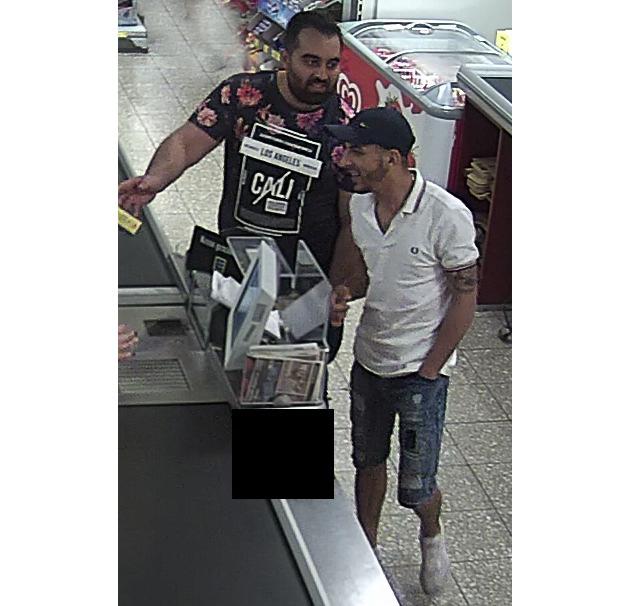POL-PB: In Kasse gegriffen - Polizei sucht Zeugen