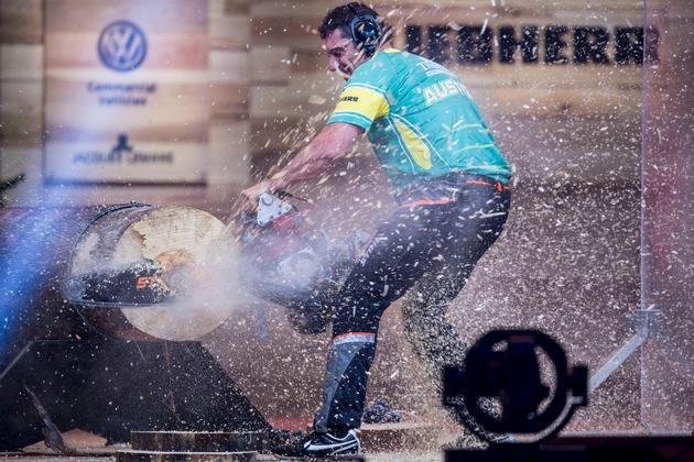Der Australier Brad De Losa machte einen technischen Fehler mit seiner extrem getunten Rennmotorsäge (Hot Saw). Am Ende ...