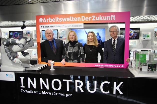 InnoTruck geht mit dem Wissenschaftsjahr 2018 auf Tour / Neue Ausstellung zeigt Arbeitswelten der Zukunft