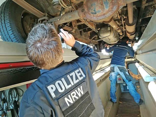 """POL-ME: Wieder ein schrottreifer, illegaler """"Schrottsammler"""" - Mettmann / Kreis Mettmann - 1710062"""