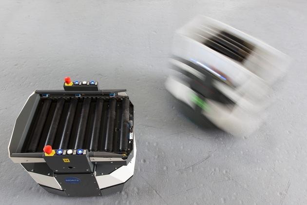 Smart Shuttles der incubed IT - Die Zukunft der Intralogistik - BILD