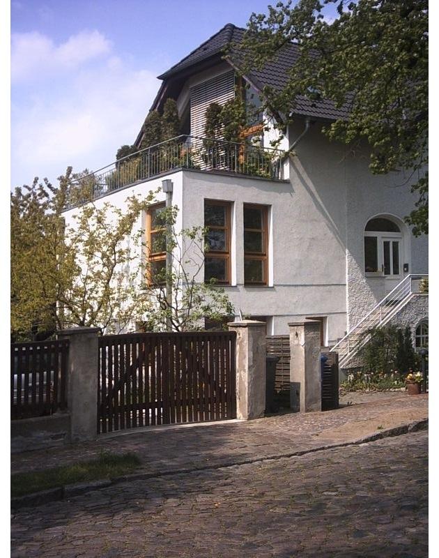 Die Frühlingszeit kann man nutzen, um Schäden am Haus zu beseitigen, die der vergangene Winter hinterlassen hat.