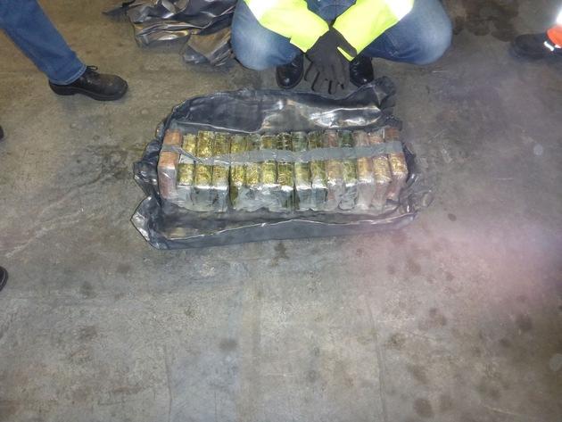 Zoll stellt Rekordmenge Kokain im Hamburger Hafen sicher