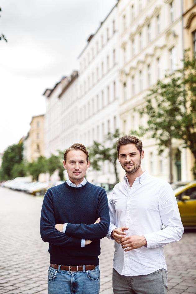 McMakler-Macher: Die beiden Gründer und Geschäftsführer Lukas Pieczonka und Hanno Heintzenberg (re.)  © McMakler GmbH, Fotograf: J. Friedrich. © McMakler GmbH