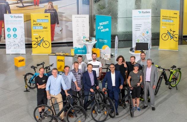e-Mobilität auf zwei Rädern testen / ADAC SE startet Pilotprojekt in München / e-Bikes: Anlieferung, Montage, Einweisung vor der Haustür / ADAC e-Ride knüpft an ADAC Zweirad-Tradition an
