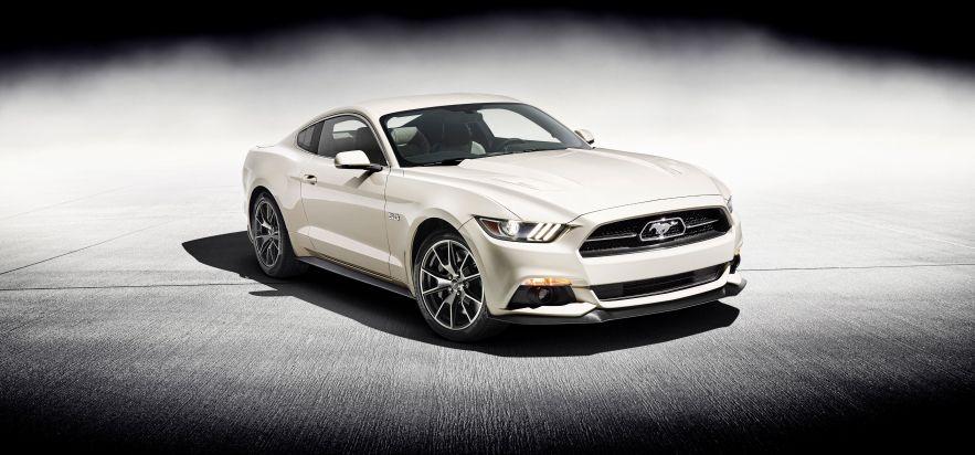 Ford feiert 50 Jahre Mustang mit einem limitierten Editionsmodell der neuen Modellgeneration (FOTO/VIDEO)