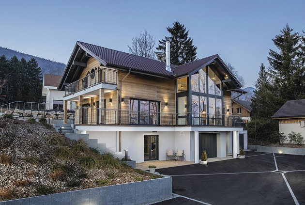 """WeberHaus gewann mit seinem Kundenhaus Leclerc den Deutschen Traumhauspreis in der Kategorie """"Landhäuser""""."""