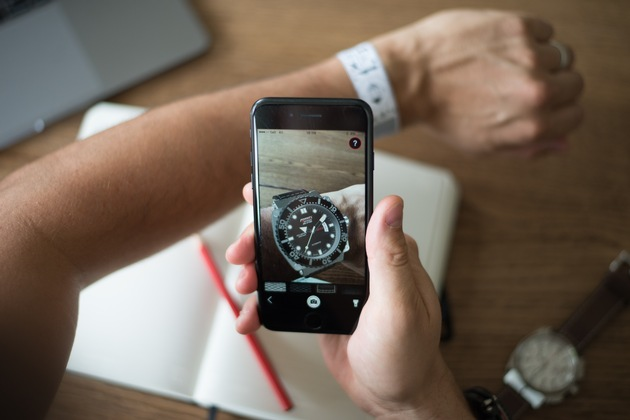 Mit der neuen Formex TryOn App lassen sich Uhren virtuell anprobieren