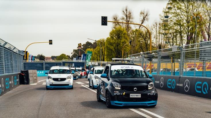 """smart EQ fortwo. Weiterer Text über ots und www.presseportal.ch/de/nr/100001544 / Die Verwendung dieses Bildes ist für redaktionelle Zwecke honorarfrei. Veröffentlichung bitte unter Quellenangabe: """"obs/Mercedes-Benz Schweiz AG/Stephen Reuss"""""""