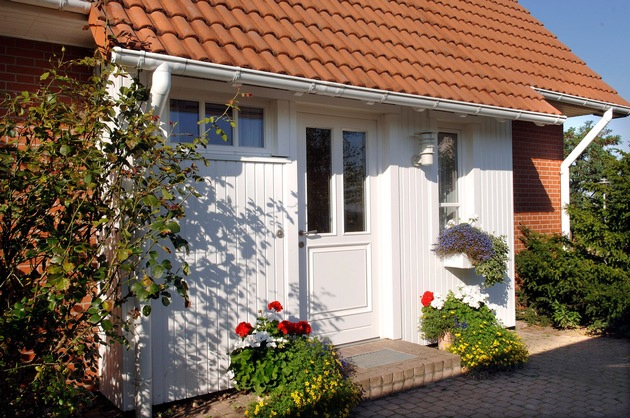 Wenn kleinere Reparaturarbeiten nach dem Winter umgehend in Angriff genommen werden, bleibt das Eigenheim im Top-Zustand.
