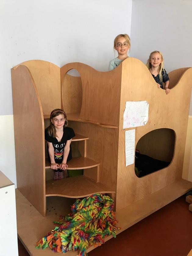 Die Spielhäuser werden von den Kindern der Peter Gläsel Schule täglich genutzt. Foto: Josef Köhler