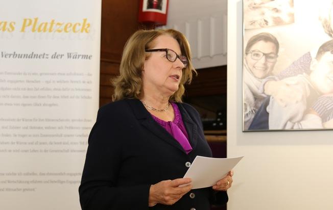 Senatorin Cornelia Prüfer-Storcks eröffnet Fotoausstellung Verbundnetz der Wärme in Hamburg / Foto: © VNG-Stiftung