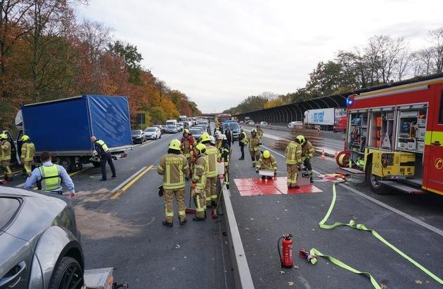 FW Ratingen: Schwerer Verkehrsunfall auf der A 3