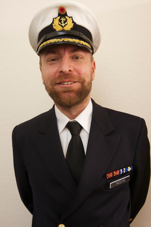 """Kommandowechsel auf der Fregatte """"Augsburg"""""""